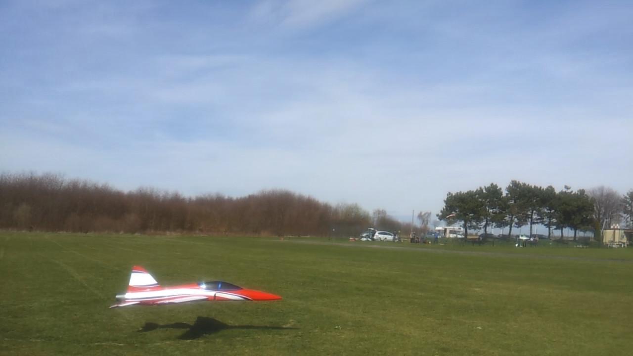 Landung ohne Fahrwerk thumbnail